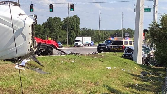 2 People Dead After Big Rig Fails To Stop At Traffic Light, Charges